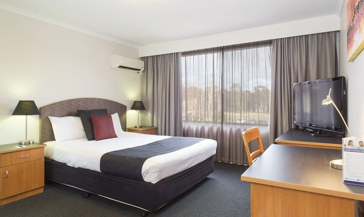 Alpha Hotel Canberra Deluxe Room